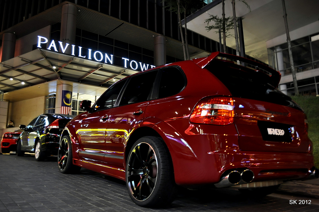 Red Porsche Cayenne TechArt Magnum 957